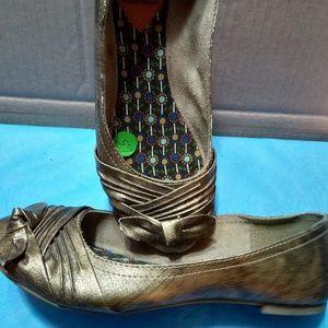 Rocket dog shoes 6.5 like new non-slip sole